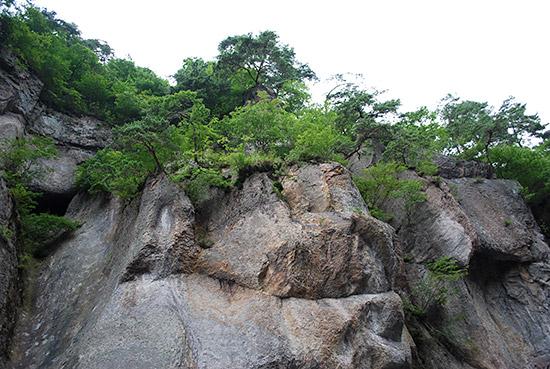 吹割の滝・奇岩