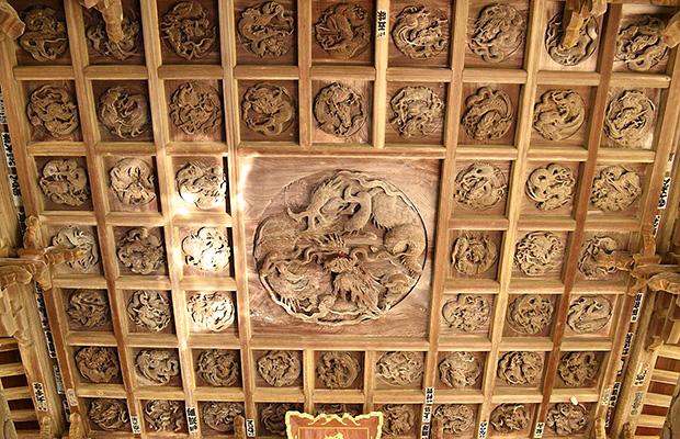 鶴谷八幡宮「百態の龍」