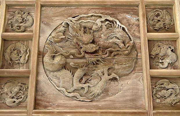 鶴ヶ谷八幡宮「百態の龍」