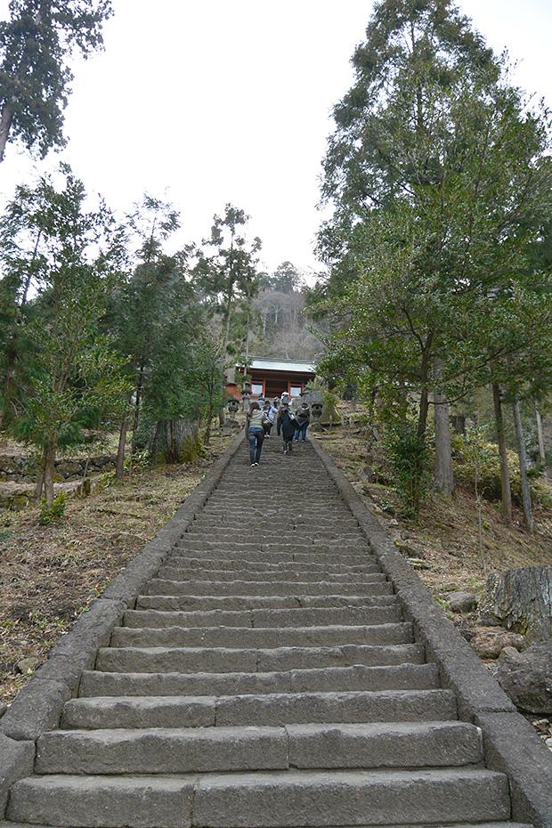 妙義神社165段の旧な階段
