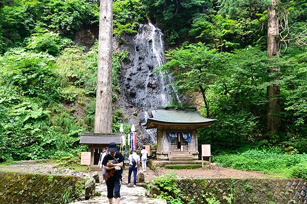 須賀の滝・祓川神社・岩戸分神社