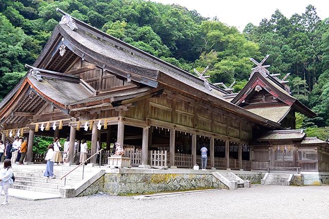 美穂神社・拝殿と本殿