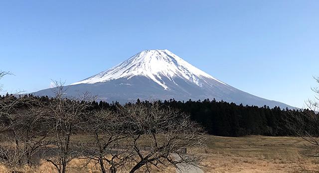 道の駅・朝霧高原からの富士山